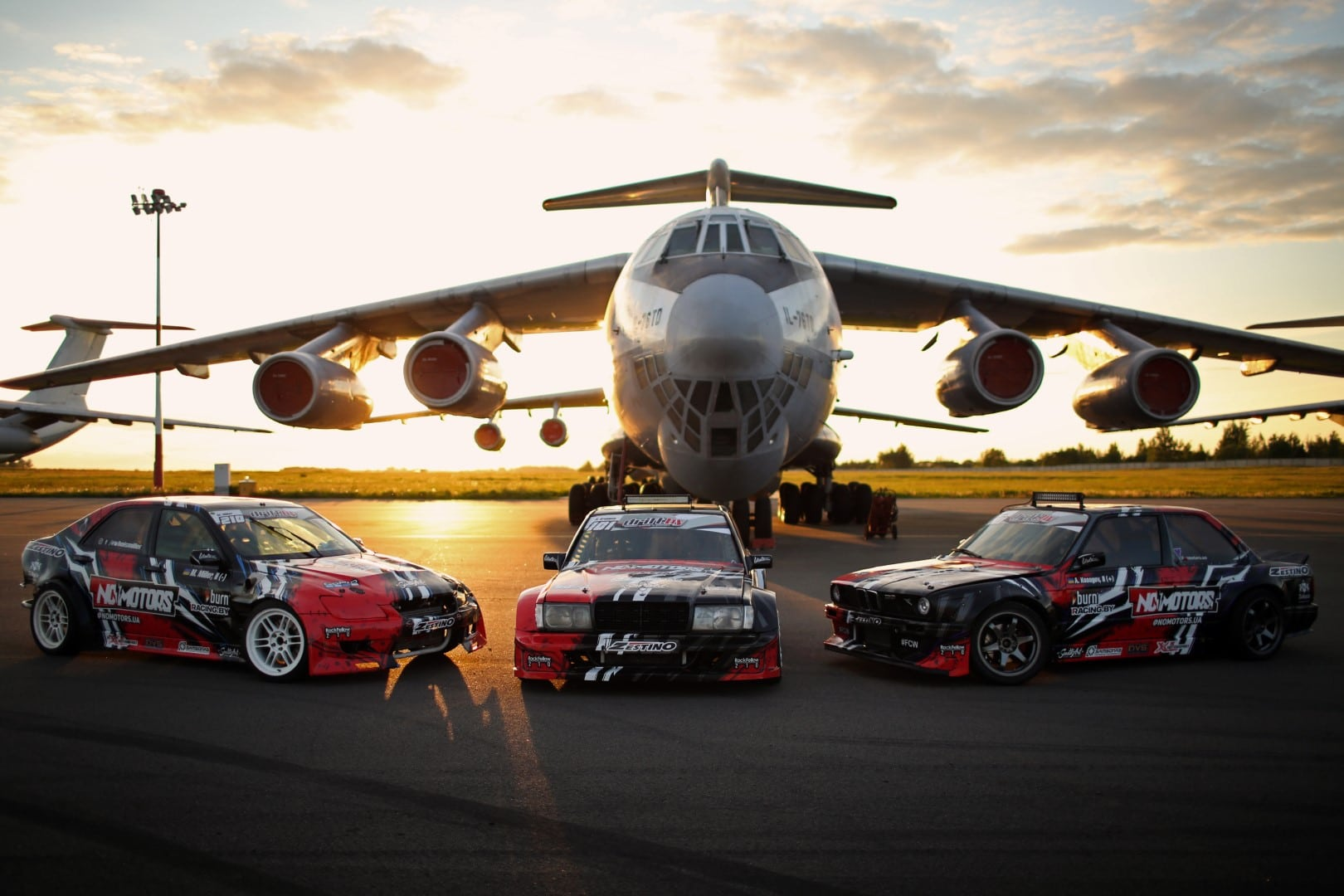 NoMotors Drift Team next to IL-76 Giedrius Matulaitis matulaitis.lt