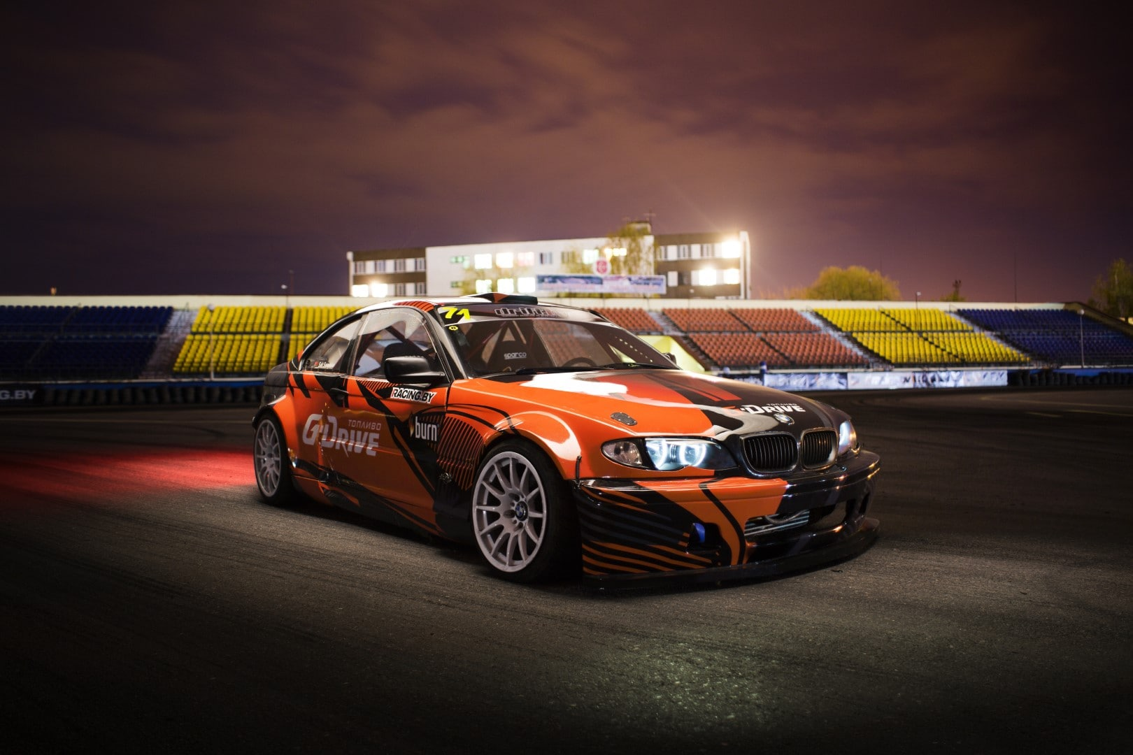 Night shot of Drift BMW 3er in Pinsk Belarus Giedrius Matulaitis matulaitis.lt